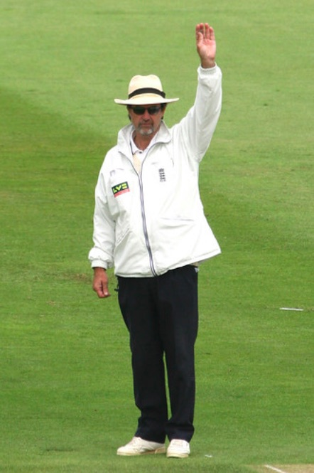 Umpire Signalling Byes in Cricket